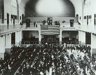 Ellis_Island_Registry_Room_then